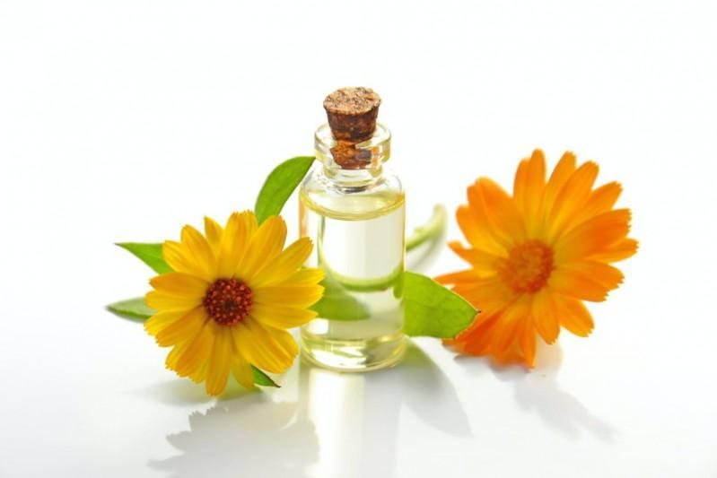 What Is Squalane Oil? Benefits for Skin and Hair