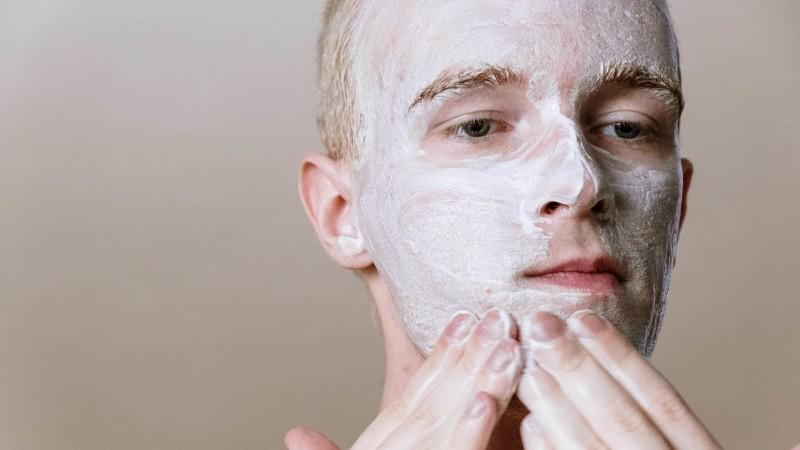 All the Face Washes That Do and Don't Work for Acne, According to Experts