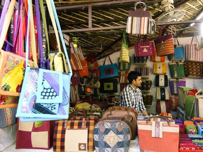 Top 9 Flea Markets in Delhi for the Happy Budget Shopping Experience