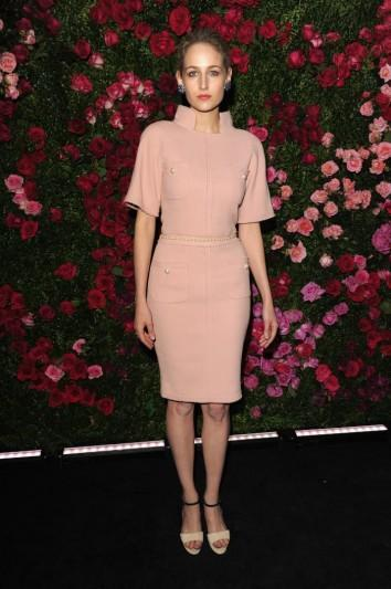 Great Outfits in Fashion History: Leelee Sobieski, Underrated Style Star, in Blush-Pink Chanel