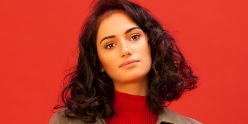 Meet Jojoba Oil—The One Oil That Won't Weigh Down Fine Hair