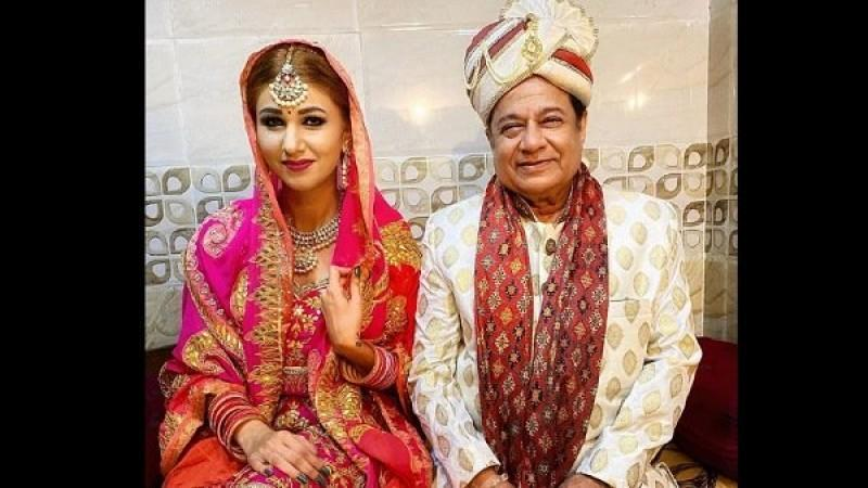 Jasleen Matharu Surprises Fans By Sharing Wedding Picture With Anup Jalota; Are They Married?