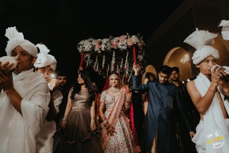 Dreamy Delhi wedding with a Bride in Floral Sabyasachi Lehenga!