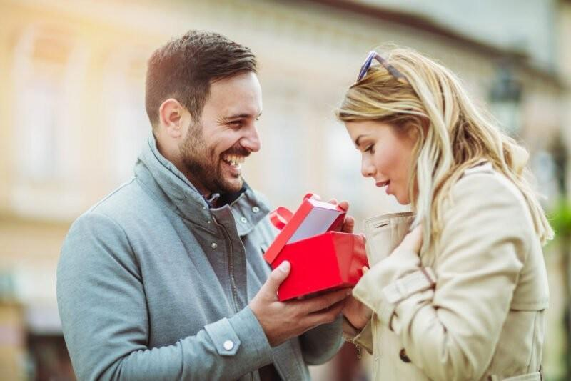 What the Receiving Gifts Love Language Means for Your Relationship