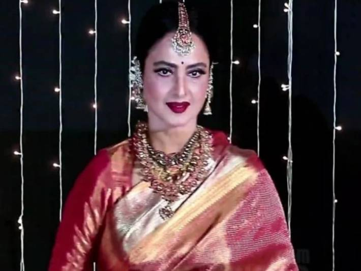 Bollywood actress Rekha earned Rs 40 crore in a year