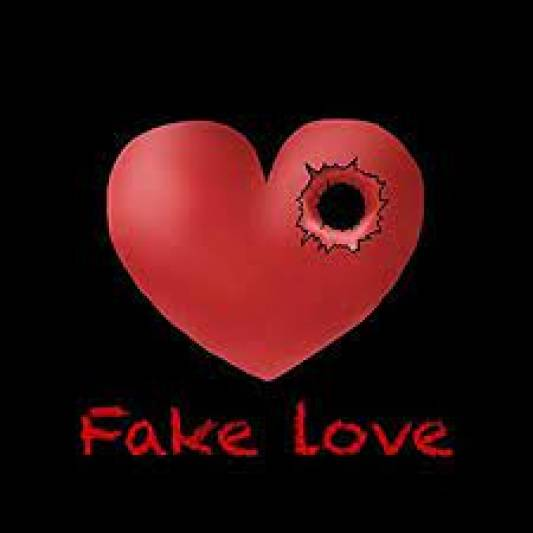 Here are 5 top signs of fake love in a relationship
