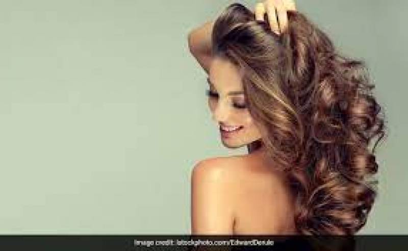 Monsoon Hair Care Tips At Home: Use Shampoo And Natural Oils To Get A Smooth Mane In Monsoons