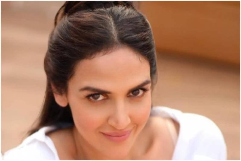 Esha Deol Reuintes with Ajay Devgn After a Decade, to Comeback with Web Series Rudra