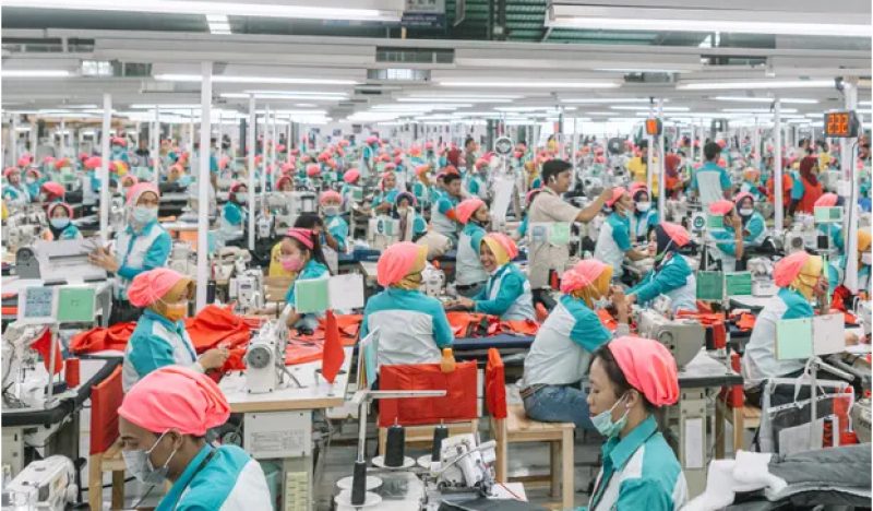Top fashion brands face legal challenge over garment workers' rights in Asia