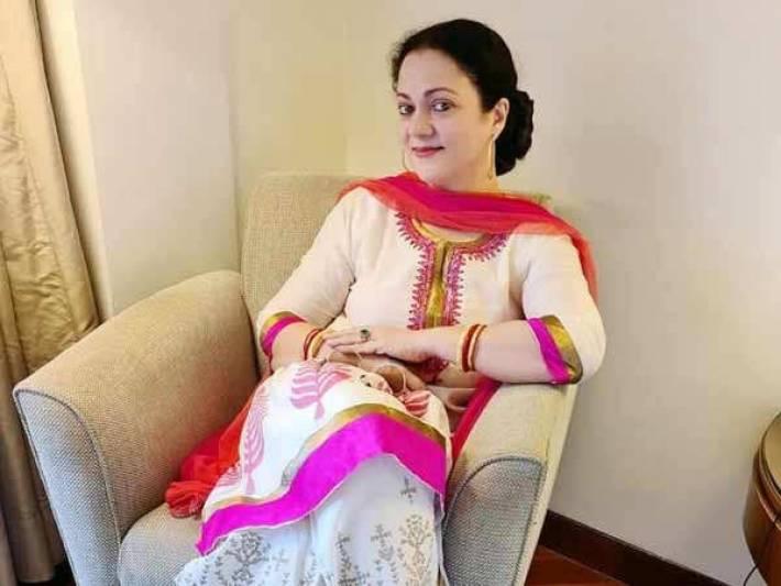 Mandakini to make her comeback in Bollywood