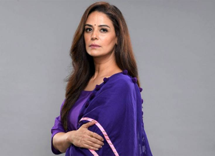 Mona Singh to slay the no-makeup look as the host of &TV's Mauka-E-Vardaat 2