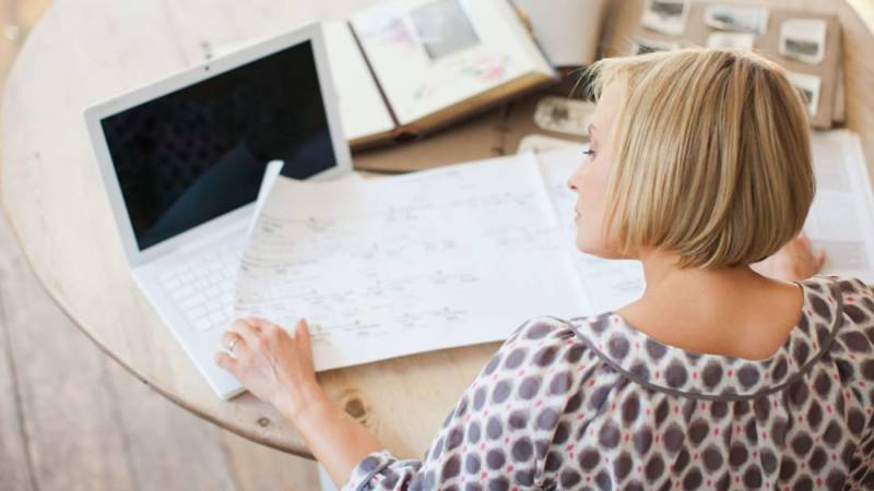 Genealogy Basics: 8 Tips for Tracing Your Family Tree Online
