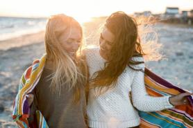How to not be a fake friend: 10 tips for true friendship Hack Spirit