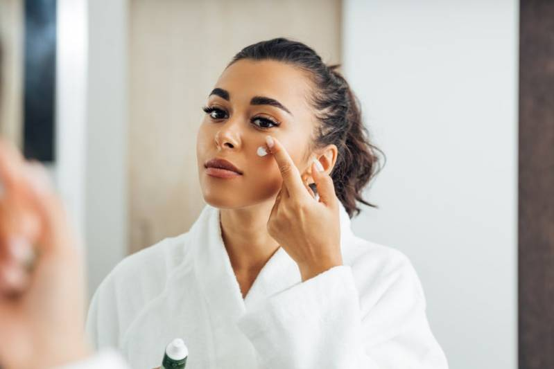 Have Dry Skin? Here's a Hydrating Skin-Care Routine That's Easy to Follow