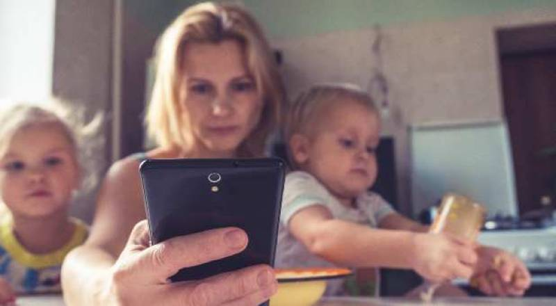 Mom, if You Get Your Parenting Tips From Social Media, Try This Instead