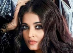 Aishwarya Rai's royal look from the sets of Mani Ratnam's Ponniyin Selvan gets leaked online