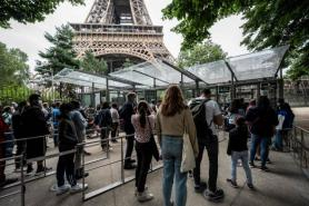 Tourists, industry in limbo after EU drops US from safe travel list
