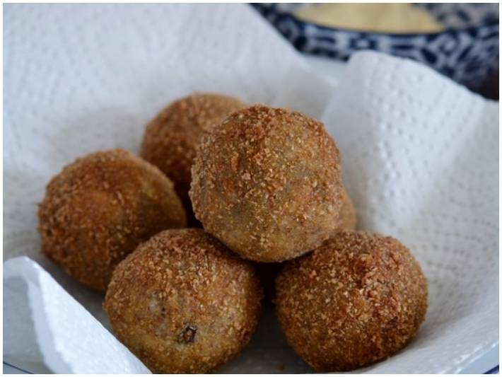 Planning To Make Snacks For Party? Use This Recipe To Make Tasty & Healthy Vegetable Rice Balls