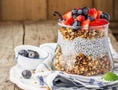 Recipe: This Muesli and Chia parfait is perfect for breakfast or dessert!